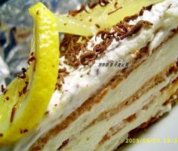 Tort merengue cu crema de lamaie