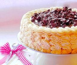 Tort cu budinca de caramel si ciocolata