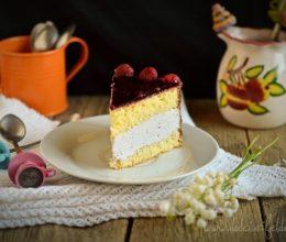 Tort cu crema mascarpone si jeleu de zmeura