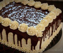 Tort cu 2 feluri de ciocolata