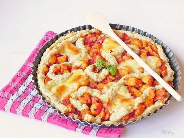 Pizza cu ciuperci si aluat de foietaj